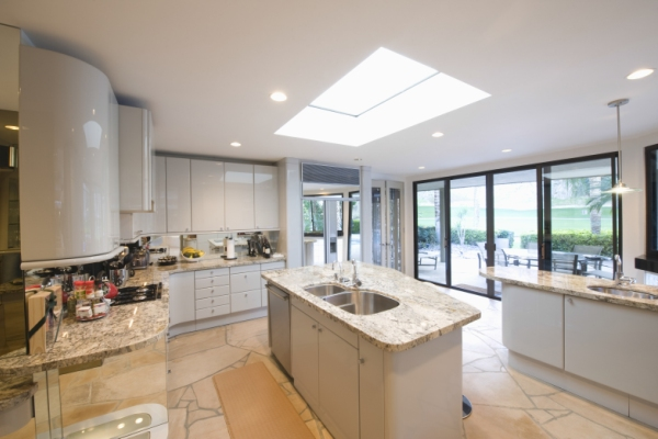 https://www.naturallighting.com.au/wp-content/uploads/2018/08/skylight1.jpg